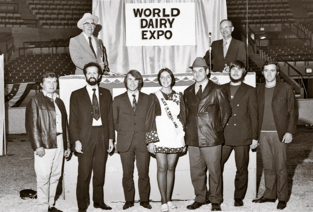 1972: A group of breeders from Switzerland at the WDE expo in Madison Including: Edgar Blaesi (3rd from right) from the national Swiss RH committee, Jean-Louis Schrago (second from left) and André Schrago (last on right)